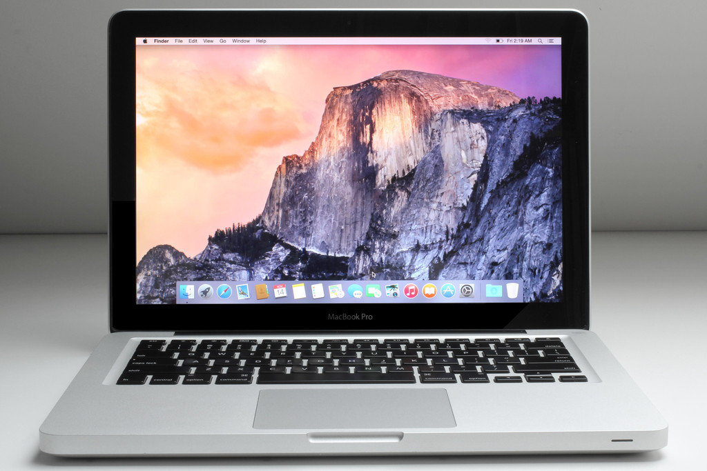 "13.3"" Apple MacBook Pro Intel i7 4G 500G OSX 10.13"